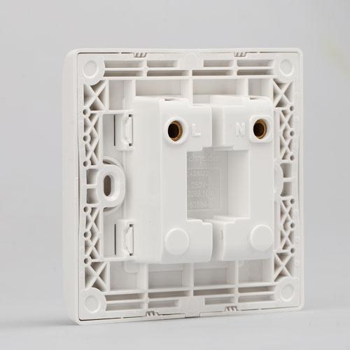 施耐德墙壁电源开关插座E82426U2