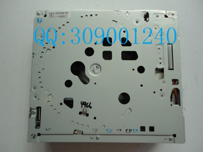 Автомагнитола Run quickly  W212 E260 E300 E350L CLS300 CLS350 CD DVD вентилятор радиатора run quickly w211 e200 e230 e240 e280 e300 e320