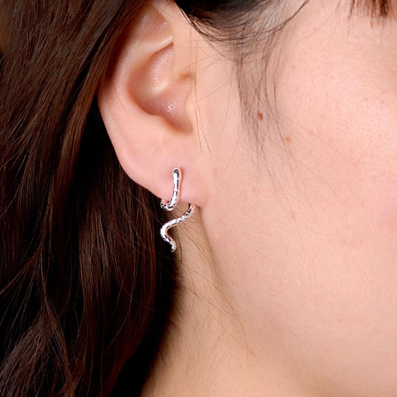 海盗船银饰生肖蛇耳钉女耳环925银时尚个性气质创意银耳饰