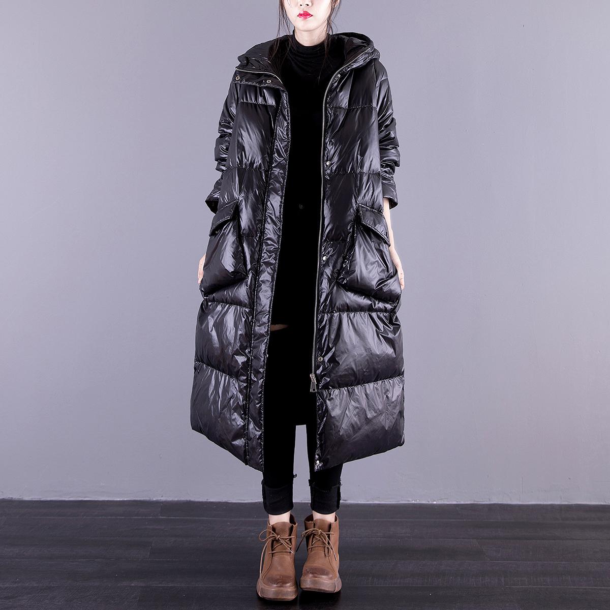 简恬2020黑色亮面羽绒服中长款连帽白鸭绒宽松过膝时尚冬季外套女