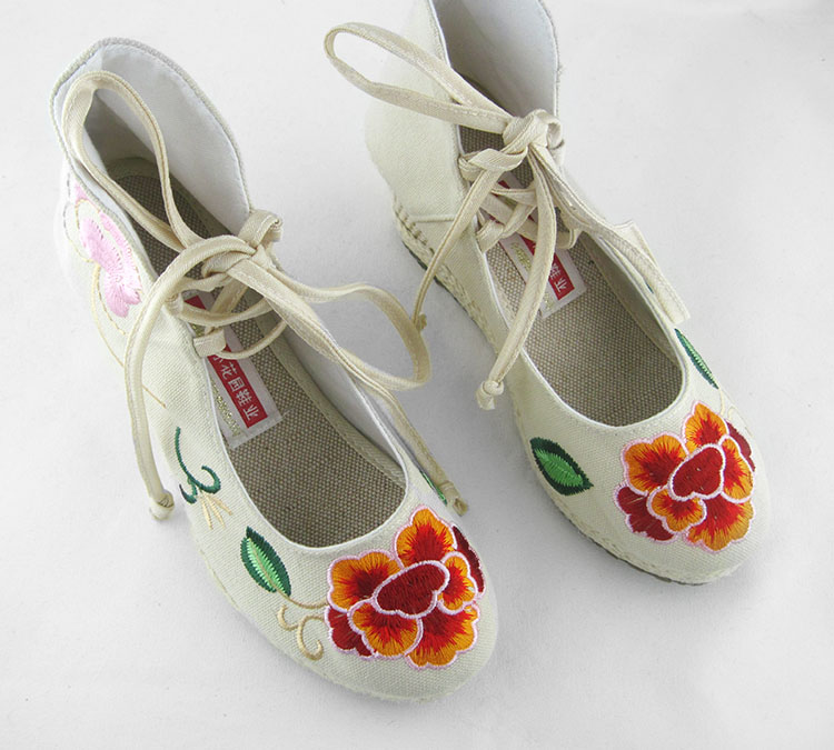 туфли Small garden blessing card embroidered shoes B/837 B-837 туфли small garden embroidered shoes 923