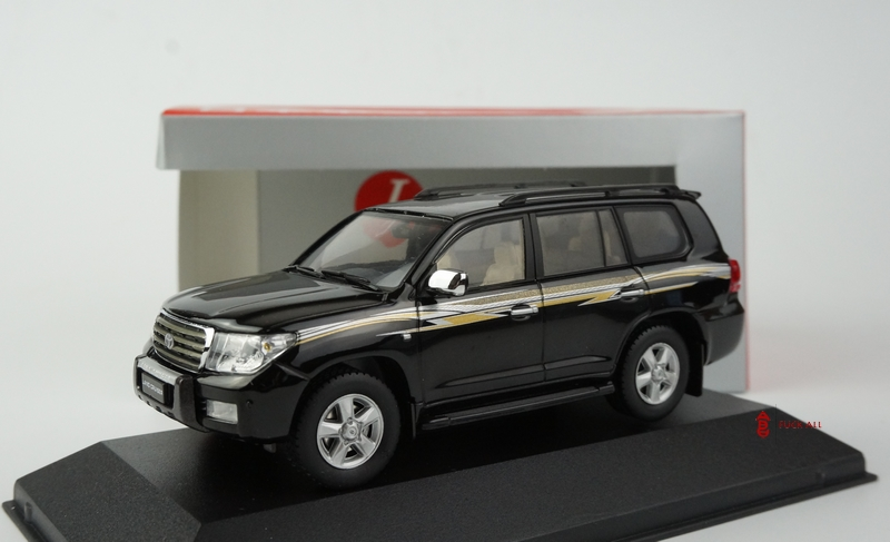Модель машины JC TOYOTA LAND CRUISER 200 VXR V8 LC200 1:43
