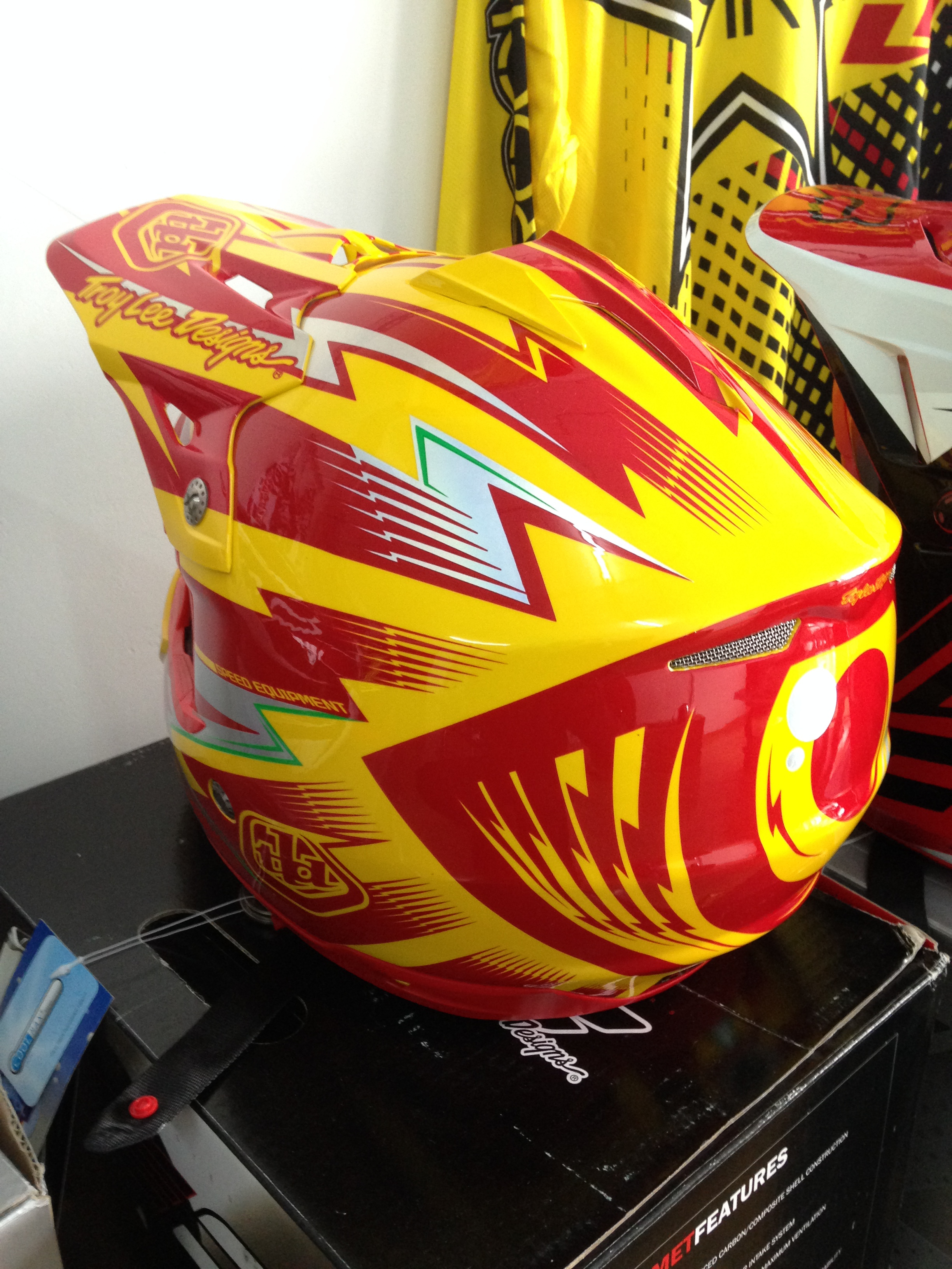 велошлем Troy Lee Designs se3 DH
