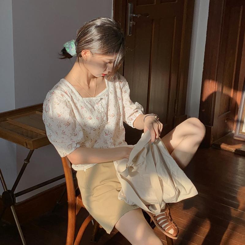 芝士兔自制 20夏韩版温柔花边方领泡泡袖短款显瘦衬衫百搭短袖女