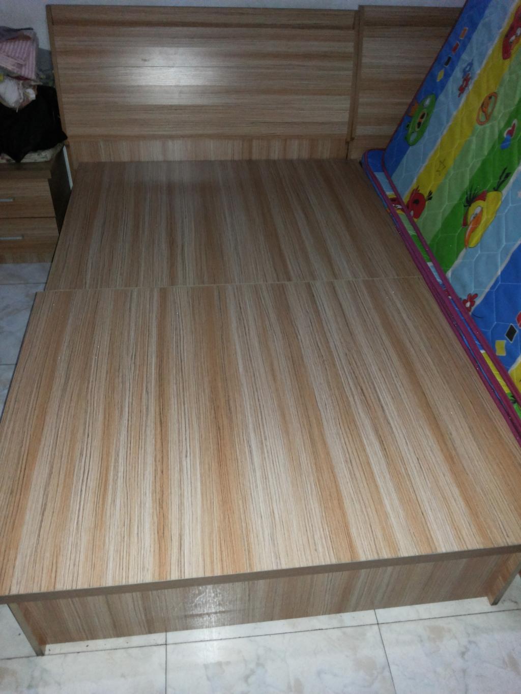 Мебель 8 месяцев 2 односпальные кровати и матрасы, тумбочки продажа