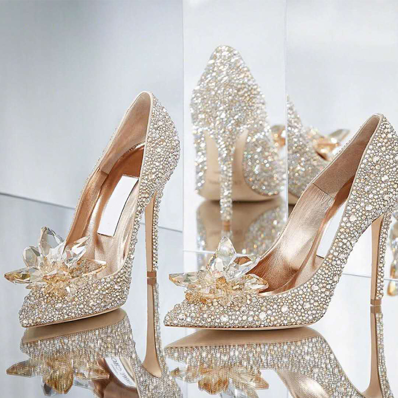婚鞋女2020新款结婚伴娘新娘鞋银色高跟婚纱细跟水钻灰姑娘水晶鞋