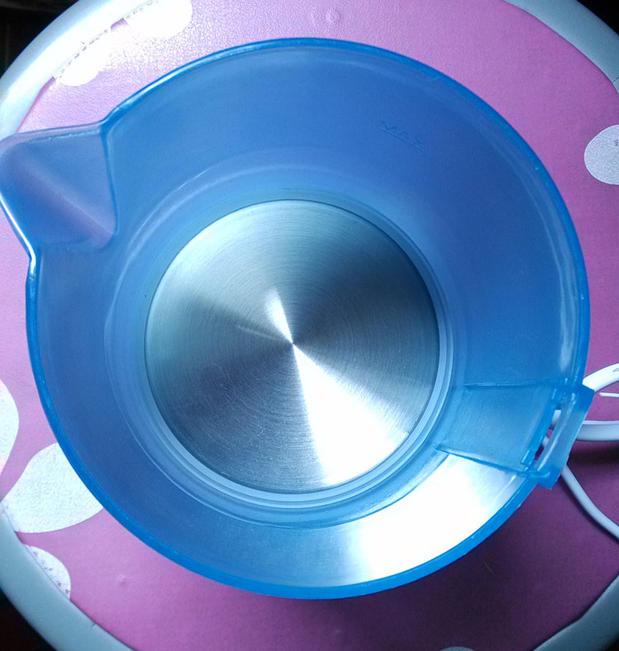 Электрический чайник Мини портативный путешествия Европа путешествия электрочайник электрочайник небольших общежитий чашки емкости с низкой мощности