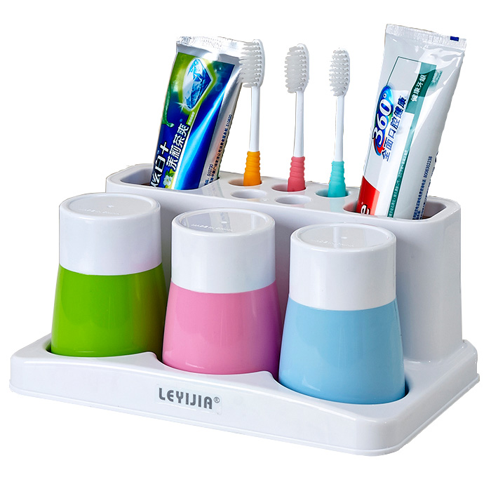 Держатель для зубных щеток Upscale family of three toothbrush holder 1 полочки для ванной комнаты animal silicone toothbrush holder cute animal silicone toothbrush holder