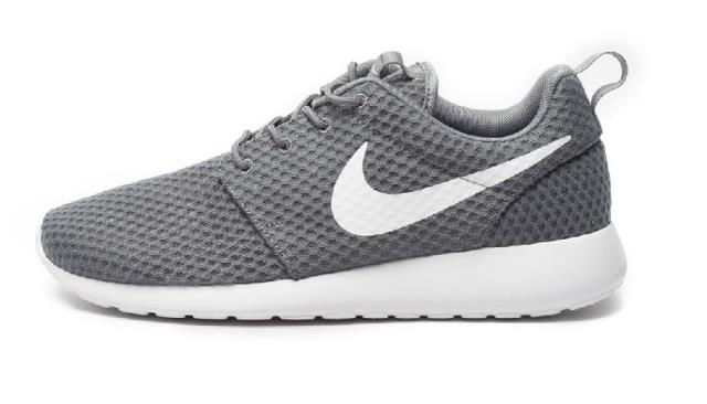 Кроссовки Nike  2015 ROSHE ONE BR 718552-010 кроссовки nike muco roshe run br 718552 410 011
