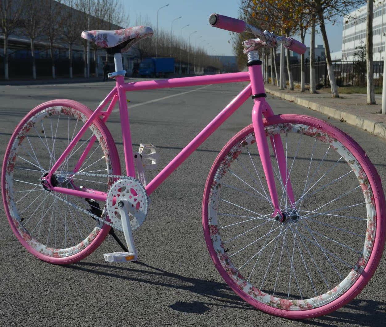 Велосипед с глухой передачей A long red