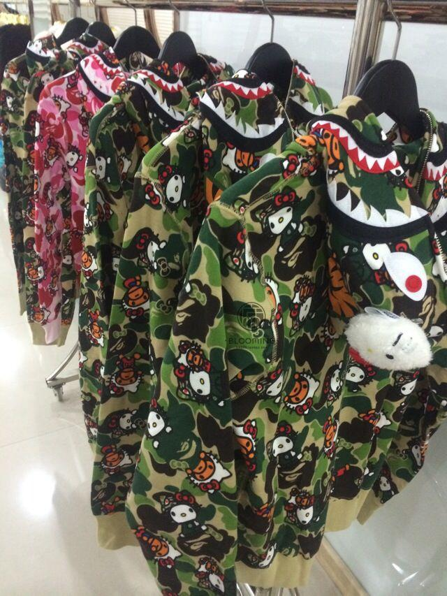 Толстовка A Bathing Ape BAPE HEELO KITTY CAMO SHARK Kitty толстовка a bathing ape bape heelo kitty camo shark kitty