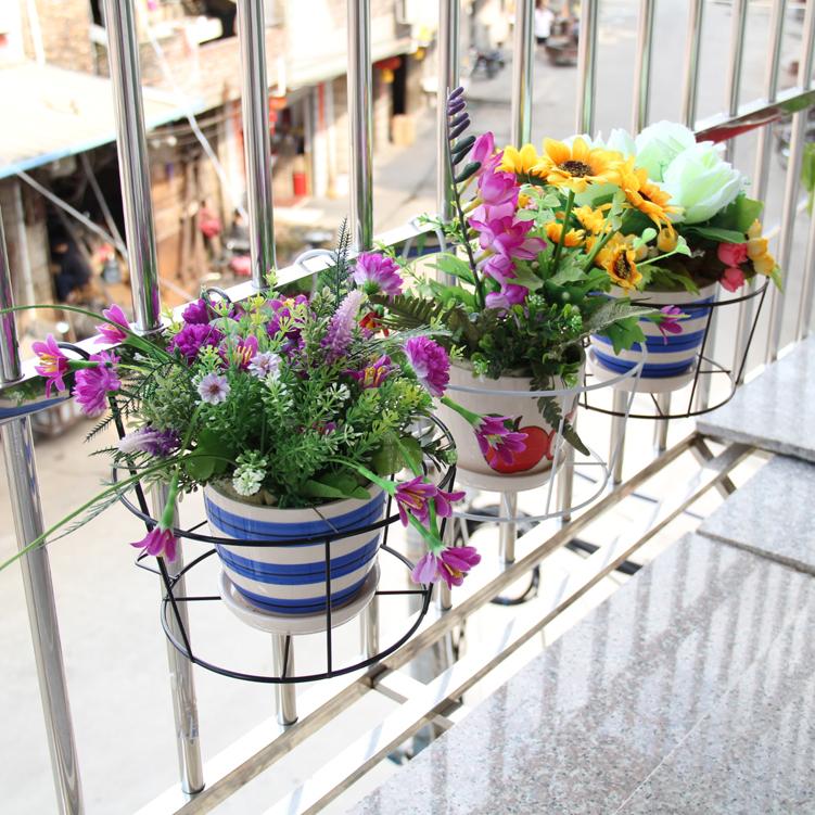 Полка на балкон под цветы своими руками 98
