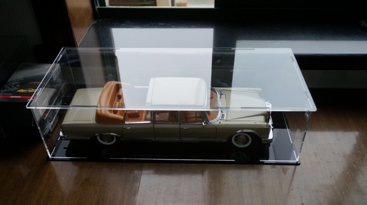 Модель машины Model car display box 1:18 acrylic box brought base transparent dust cover stock  1:18 модель машины chun base 1 40