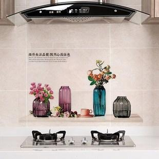 厨房防油贴纸耐高温灶台用自粘防水瓷砖橱柜台面油烟机墙贴壁纸。