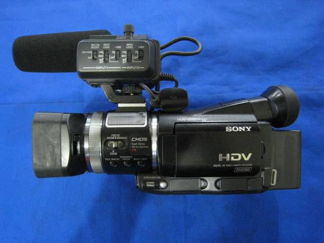 видеокамера Sony  HVR-A1C 9.2
