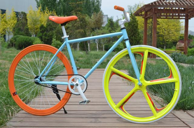 Велосипед с глухой передачей Long Yun  26 40 70 Fixed Gear