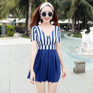 2017新款时尚大码平角条纹保守显瘦小胸聚拢连体裙式海军风泳衣x1