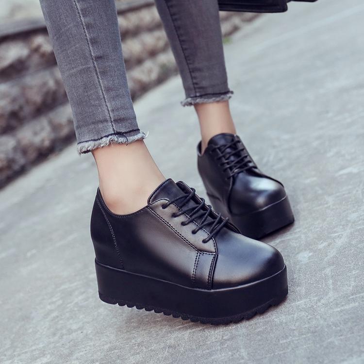 黑色坡跟鞋 2017春季日系原宿风厚底松糕鞋圆头单鞋英伦黑色系带坡跟休闲女鞋_推荐淘宝好看的黑色坡跟鞋