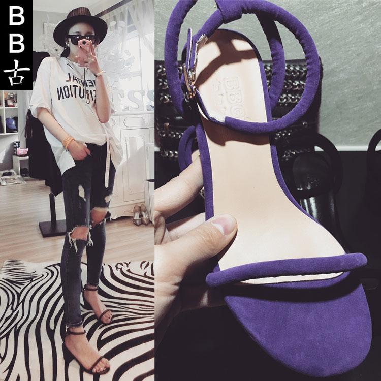 紫色凉鞋 BB古代购新款一字带漏趾简约粗跟皮凉鞋女 紫色低跟中跟漏趾扣带_推荐淘宝好看的紫色凉鞋