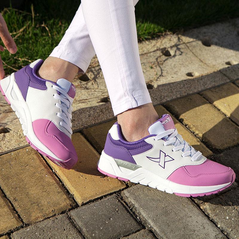 紫色运动鞋 X特步女鞋正品跑步鞋减震增高春秋款皮面轻便中学生运动鞋白紫色_推荐淘宝好看的紫色运动鞋