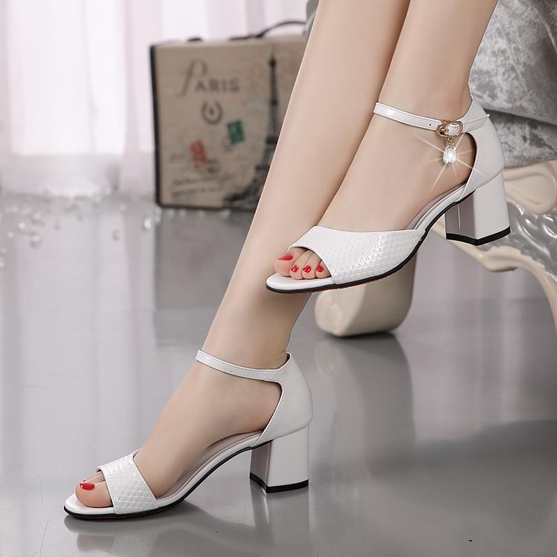 罗马鞋 凉鞋女夏新款闺姿意尔康正品真皮小码女鞋时尚罗马中跟粗跟女凉鞋_推荐淘宝好看的女罗马鞋