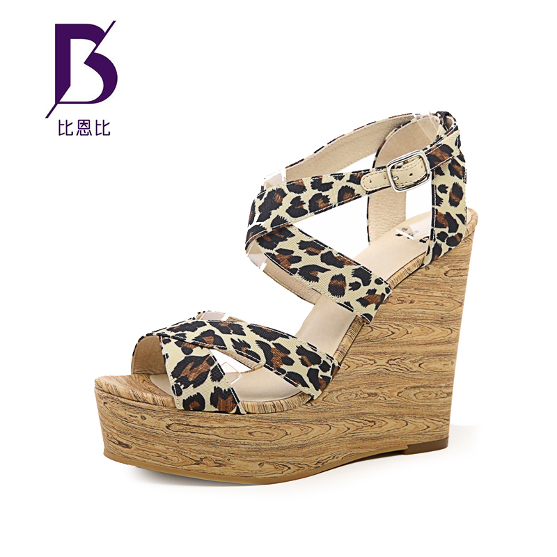 豹纹坡跟鞋 比恩比B&B 春夏时尚豹纹清爽坡跟女式凉鞋 露趾性感女鞋102926E_推荐淘宝好看的豹纹坡跟鞋