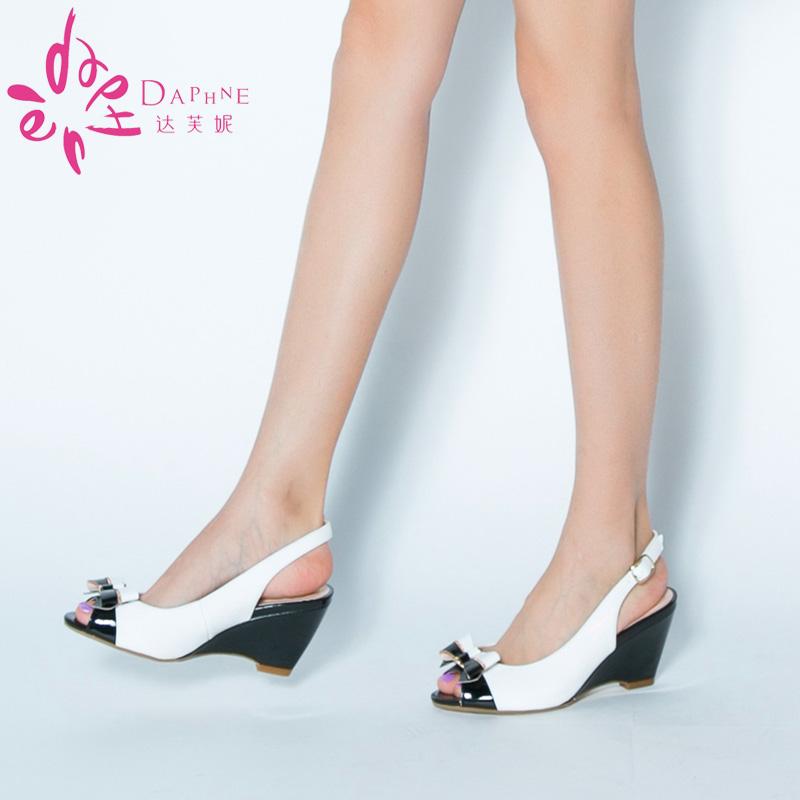 女款鱼嘴鞋 Daphne达芙妮简约休闲拼色坡跟鱼嘴蝴蝶结女凉鞋1014303009_推荐淘宝好看的女鱼嘴鞋