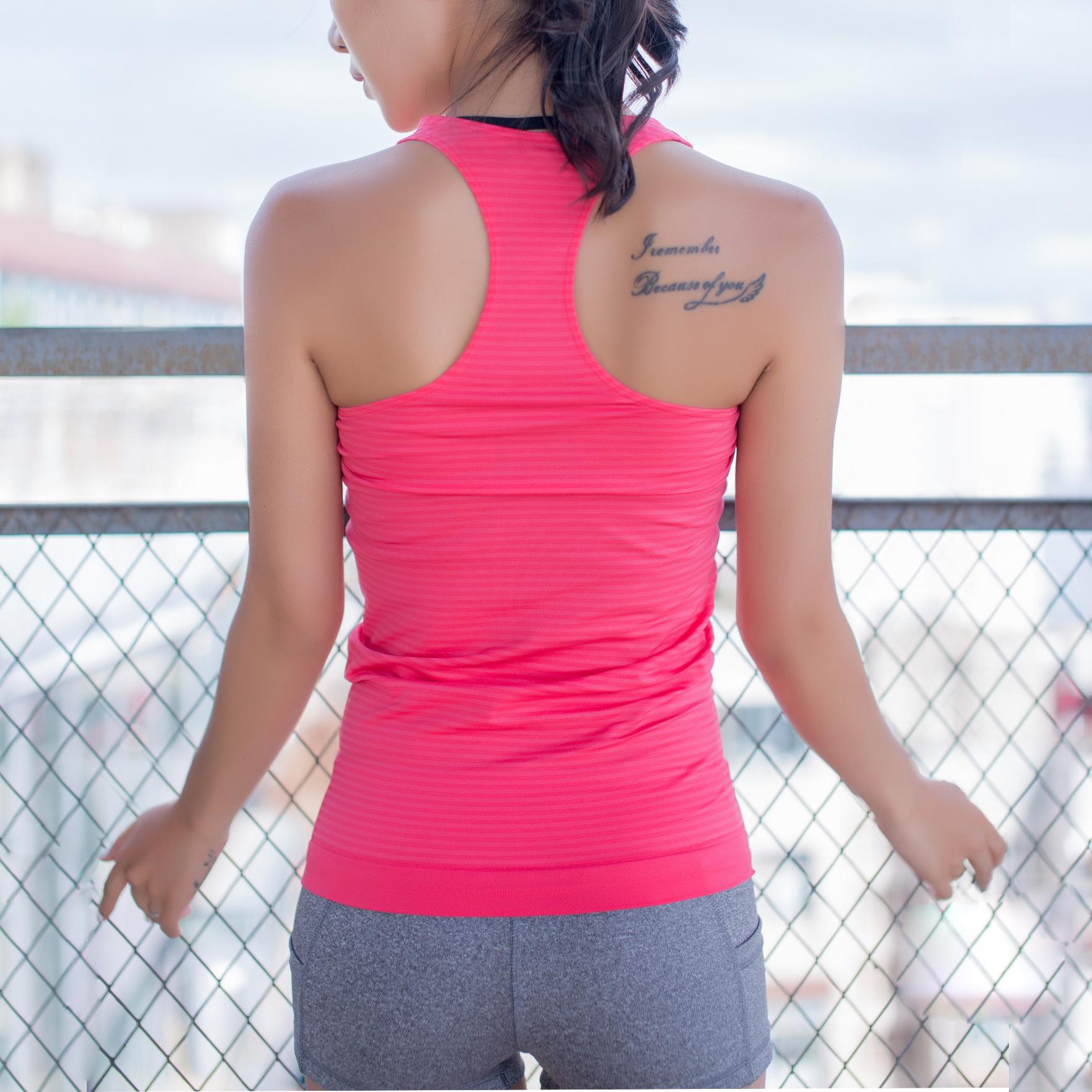 无袖运动t恤 无袖打底工字运动背心女夏修身百搭外穿健身跑步速干瑜伽条纹T恤_推荐淘宝好看的女无袖运动t恤