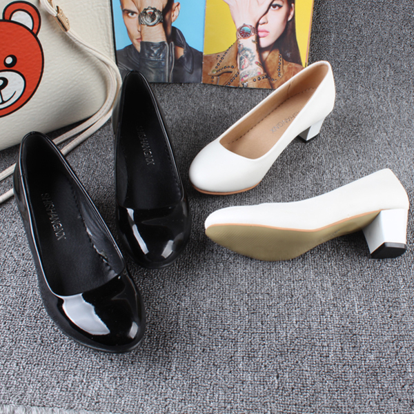 白色高跟单鞋 大码正装黑色漆皮单鞋春夏款白色婚鞋圆头中跟职业粗跟高跟女鞋_推荐淘宝好看的女白色高跟单鞋