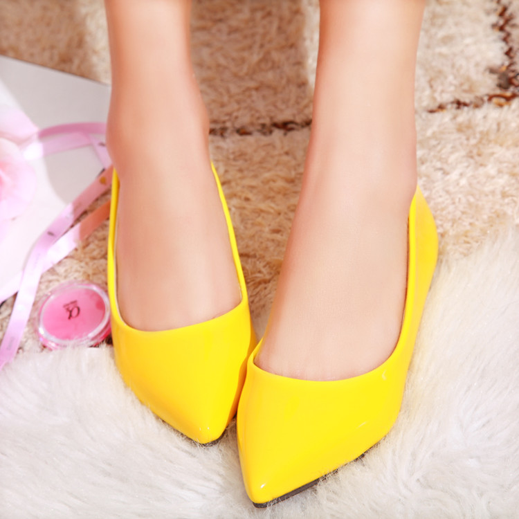 黄色平底鞋 糖果色红色婚礼鞋结婚鞋子黄色漆皮平底婚鞋尖头浅口低跟新娘单鞋_推荐淘宝好看的黄色平底鞋