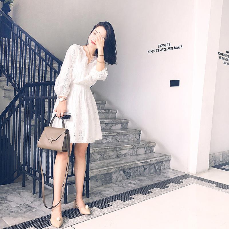 白色蕾丝连衣裙 秋装韩版气质七分袖V领白色蕾丝连衣裙中裙女夏装灯笼袖显瘦裙子_推荐淘宝好看的白色蕾丝连衣裙