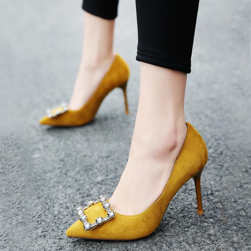 黄色单鞋 2017春秋新款小尖头绒面甜美黑色时尚女鞋高跟黄色水钻单鞋细跟潮_推荐淘宝好看的黄色单鞋