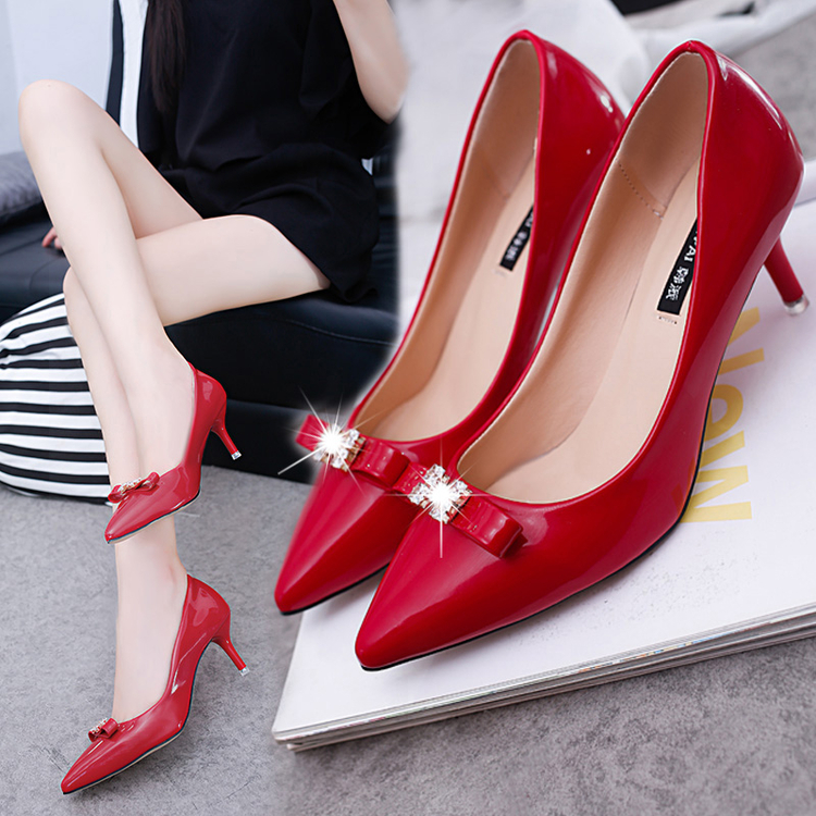 红色高跟鞋 2017春新款高跟单鞋女尖头浅口鞋漆皮中跟蝴蝶大红色婚鞋时尚女鞋_推荐淘宝好看的红色高跟鞋