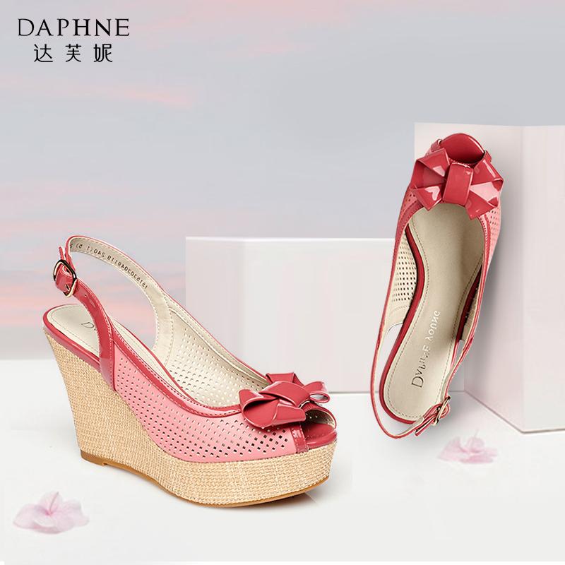 女款鱼嘴鞋 Daphne达芙妮女鞋 夏季女蝴蝶结镂空坡跟后空扣带鱼嘴凉鞋_推荐淘宝好看的女鱼嘴鞋