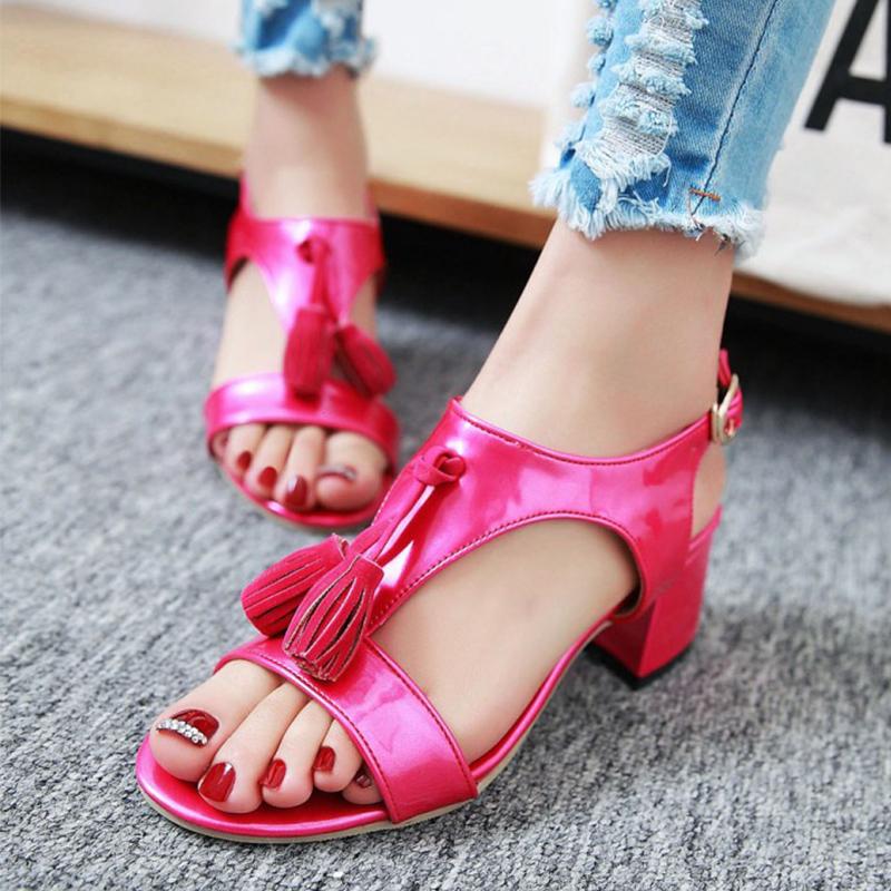 红色罗马鞋 夏季流苏女鞋粗跟露趾中跟罗马鞋扣带学生凉鞋红色31-43码大小号_推荐淘宝好看的红色罗马鞋
