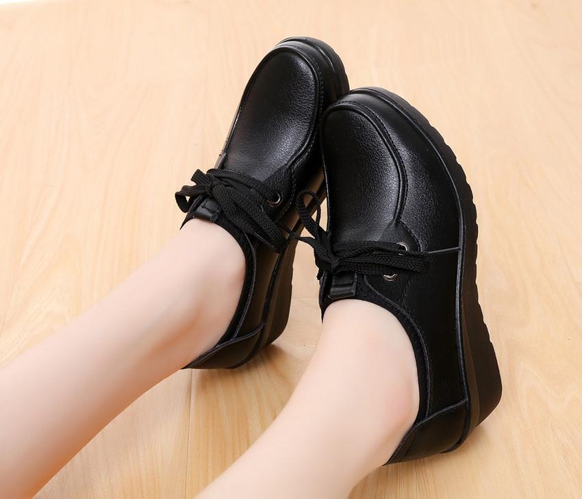 女式坡跟鞋 肯德基全黑包脚工鞋坡跟防滑单鞋平底舒适妈妈鞋黑色工作鞋女皮鞋_推荐淘宝好看的女坡跟鞋
