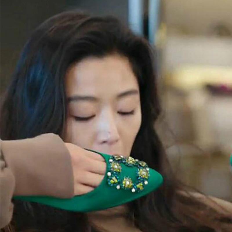 绿色平底鞋 蓝色的大海全智贤同款平底绸缎面单鞋女尖头浅口水钻方扣草木绿色_推荐淘宝好看的绿色平底鞋