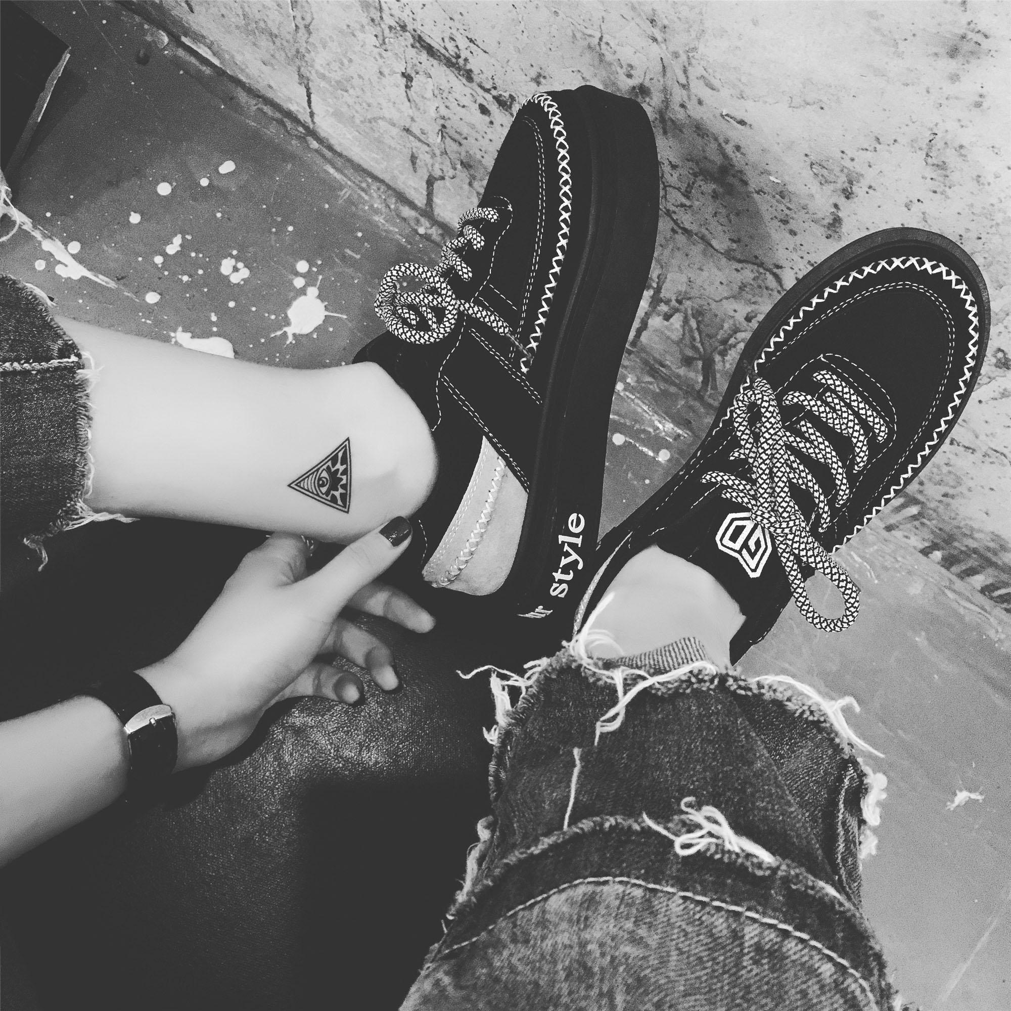 黑色运动鞋 韩版ulzzang原宿运动鞋女黑色厚底百搭学生跑步休闲鞋系带板鞋潮_推荐淘宝好看的黑色运动鞋