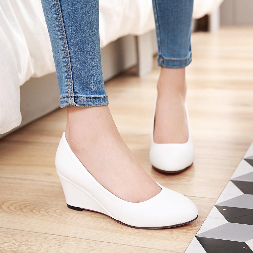 白色高跟鞋 2017春夏新款大码女鞋简约百搭工作鞋浅口圆头坡跟单鞋高跟鞋白色_推荐淘宝好看的白色高跟鞋