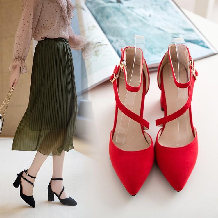 红色凉鞋 新款凉鞋大码41-43新娘鞋中跟鞋粗跟扣带红色结婚鞋黑色春夏女40_推荐淘宝好看的红色凉鞋