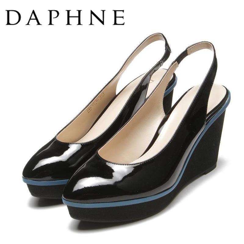 达芙妮坡跟鞋 Daphne达芙妮春新款坡跟漆皮女凉鞋前包后空休闲女单鞋_推荐淘宝好看的达芙妮坡跟鞋