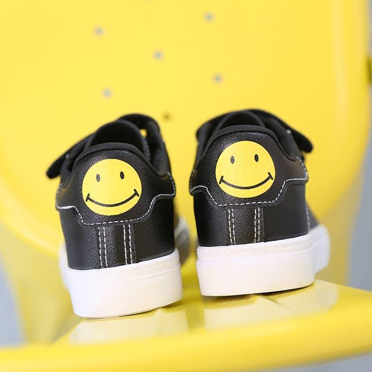黑色帆布鞋 秋季韩版懒人魔术贴女鞋黑白色皮面帆布鞋女平底休闲鞋百搭小白鞋_推荐淘宝好看的黑色帆布鞋