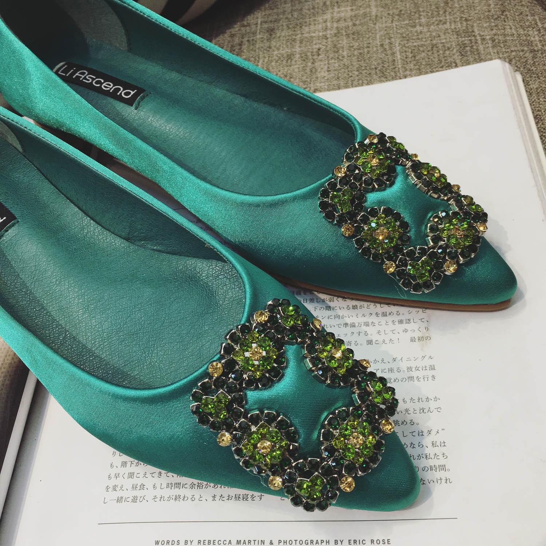 绿色平底鞋 2017春季新款绿色尖头平底单鞋浅口绸缎面方扣水钻套脚韩版女鞋子_推荐淘宝好看的绿色平底鞋
