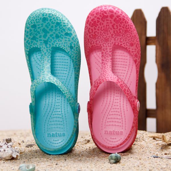 沙滩女凉鞋 natue正品玛丽珍印花洞洞鞋女包头凉鞋夏季防滑拖鞋果冻鞋沙滩鞋_推荐淘宝好看的女沙滩凉鞋