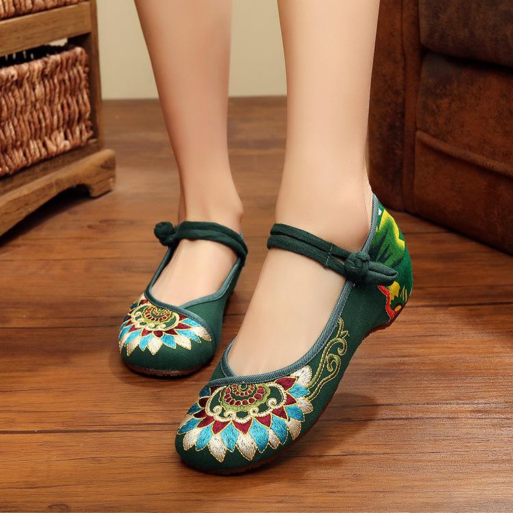 绿色单鞋 春夏绿色 坡跟布鞋老北京 中国民族风绣花鞋女鞋单鞋平底广场舞蹈_推荐淘宝好看的绿色单鞋