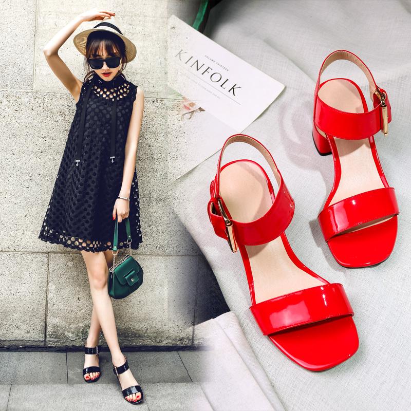 红色罗马鞋 2017夏季新款真皮时尚粗跟露趾罗马凉鞋女红色漆皮女鞋高跟鞋中跟_推荐淘宝好看的红色罗马鞋