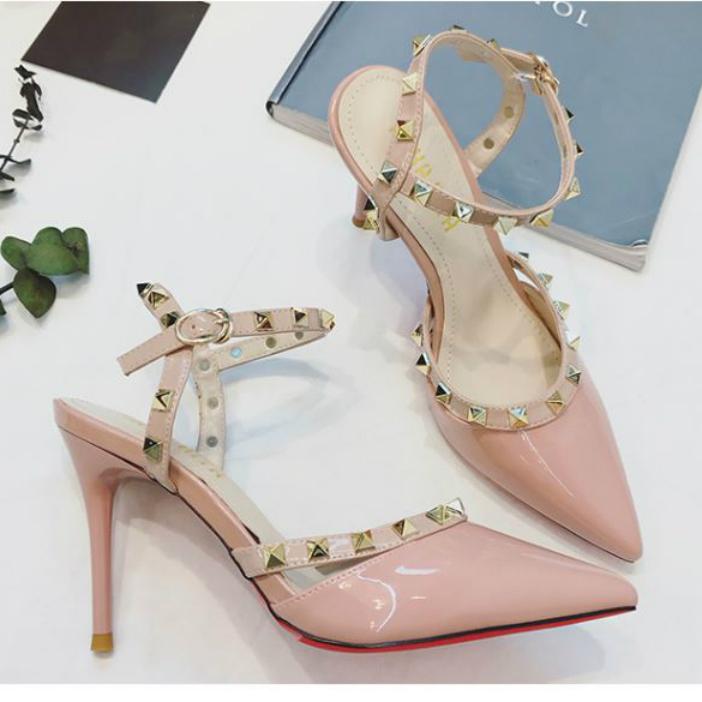 粉红色凉鞋 粉红色8cm高跟鞋漆皮尖头一字扣带细跟铆钉夏天镂空凉鞋子女裸色_推荐淘宝好看的粉红色凉鞋