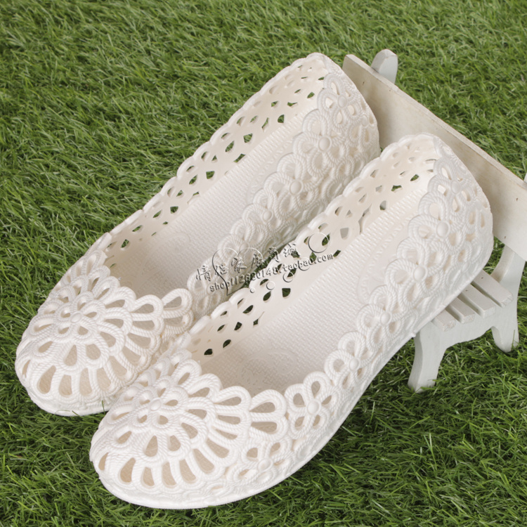 白色凉鞋 夏季防水镂空工作凉鞋女平底塑料平底洞洞鞋柔软白色护士鞋舞蹈鞋_推荐淘宝好看的白色凉鞋