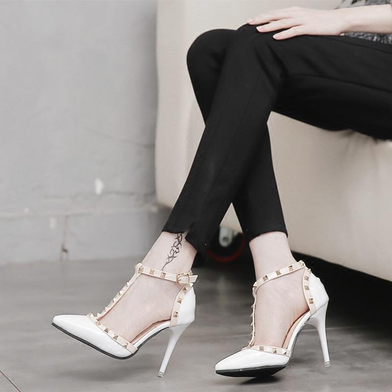 白色高跟单鞋 铆钉高跟鞋女细跟 尖头性感百搭一字扣白色 夜场单鞋夏季2017新款_推荐淘宝好看的女白色高跟单鞋