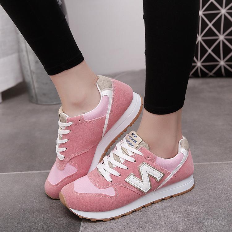 粉红色运动鞋 1617年冬春新款韩版休闲圆头平底平跟大红粉红色学生跑步运动鞋女_推荐淘宝好看的粉红色运动鞋
